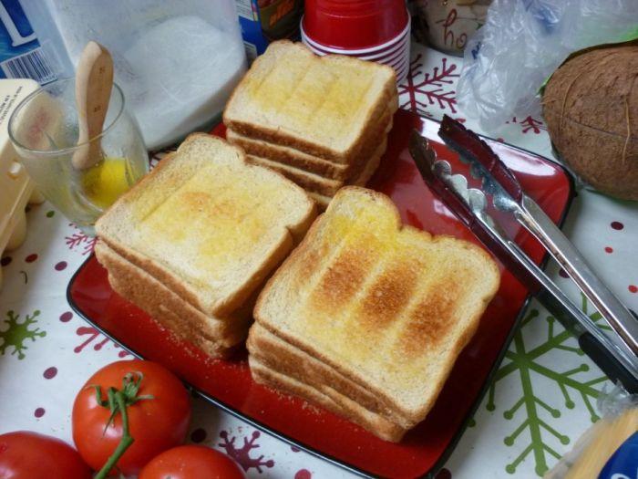 Giant Double Triple Sandwich Deluxe (12 pics)