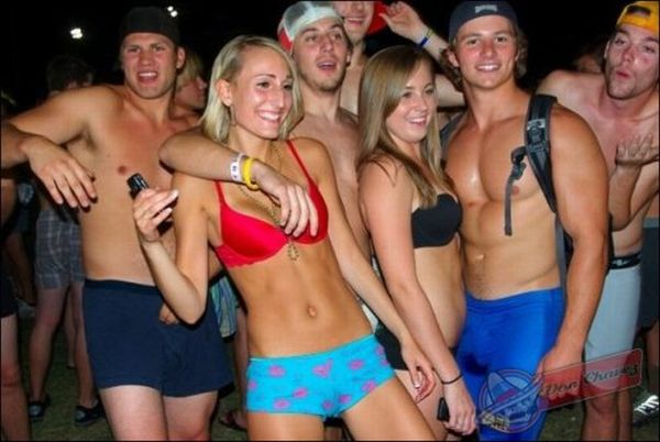 ASU Students Made an Awesome Undie Run (24 pics)