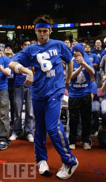 Hardcore Basketball Fans (22 pics)