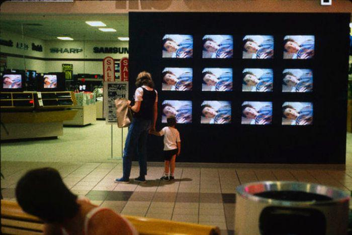 U.S. Shopping Malls in 1989 (37 pics)