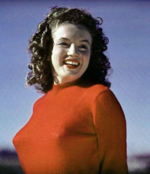 Marilyn Monroe When She Was Norma Jeane (15 pics)