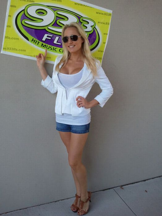 Beautiful Ladies of Radio (50 pics)