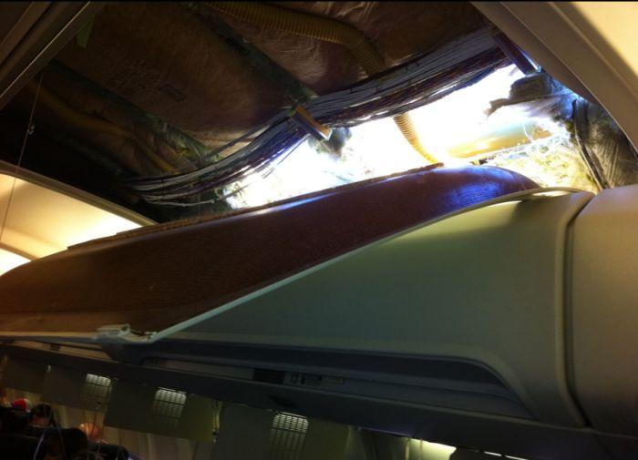 Boeing 737 Depressurized at Attitude (7 pics)