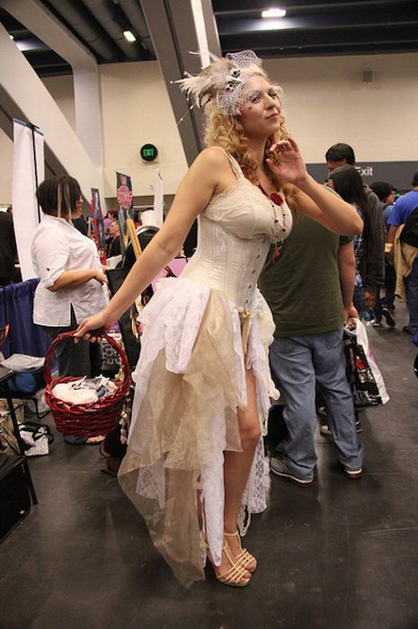 Hot Cosplay Girls at WonderCon (48 pics)