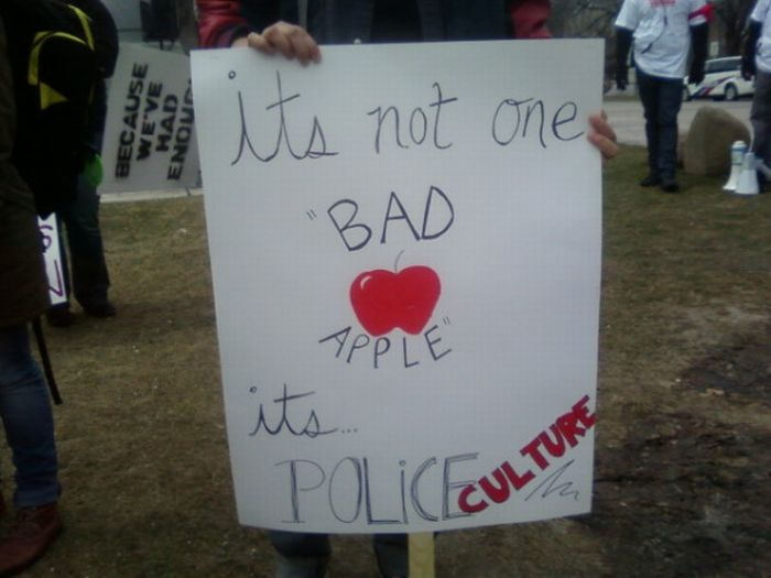 The Best Signs at Slutwalk in Toronto (30 pics)