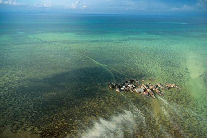 Village in The Ocean (7 фото)