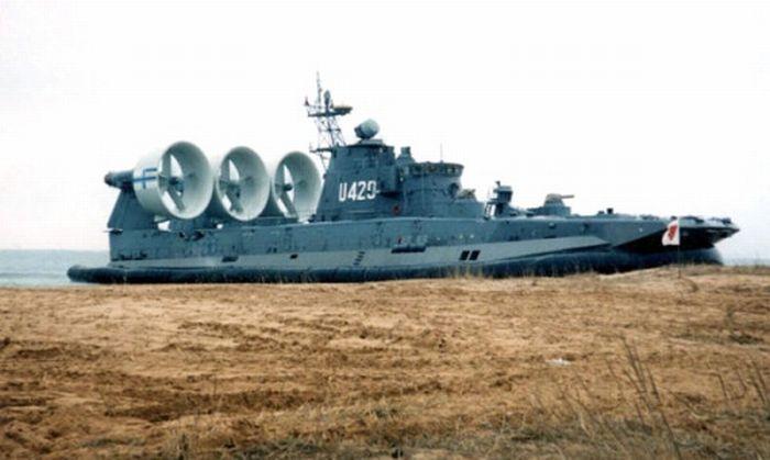 Zubr Class Hovercraft (26 pics)
