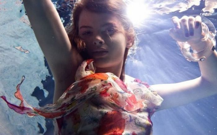 Girls Under Water (14 pics)