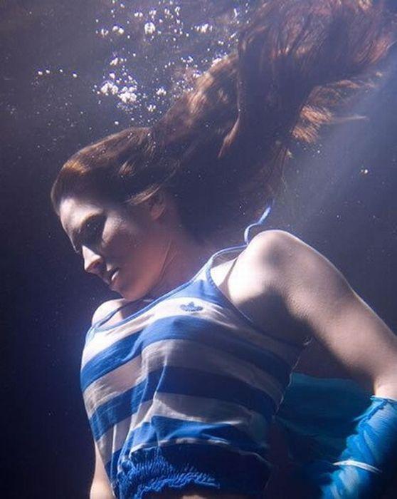 Girls Under Water (14 pics)