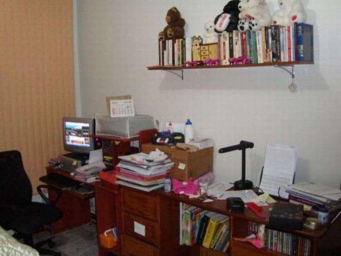 Messy Workstations (45 pics)