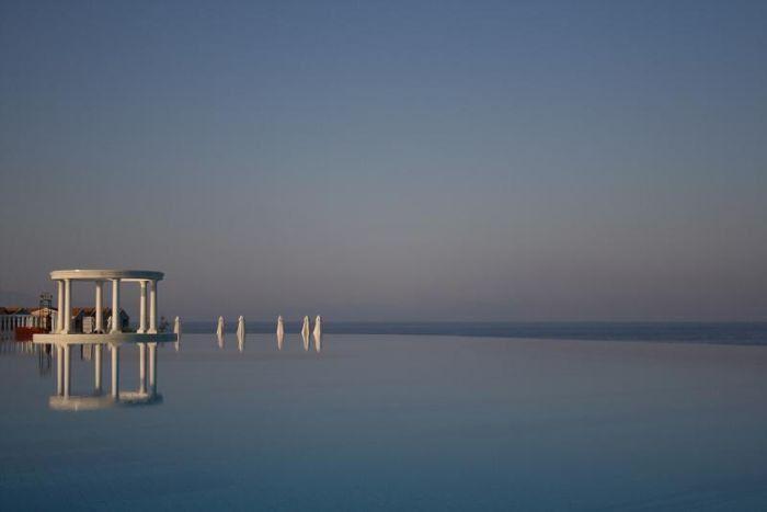 Amazing Swimming Pools (21 pics)