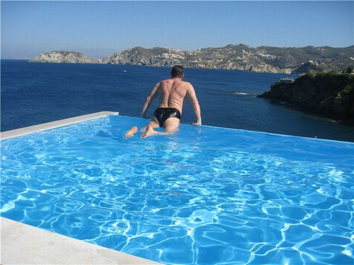 amazing swimming pools 21 pics - Amazing Swimming Pool Designs