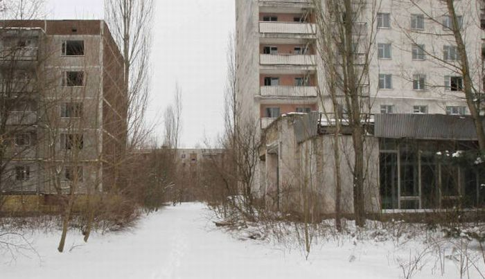 Chernobyl 30 Years Ago and Now (14 pics)