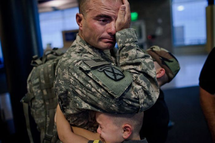Back Home From War (20 pics)
