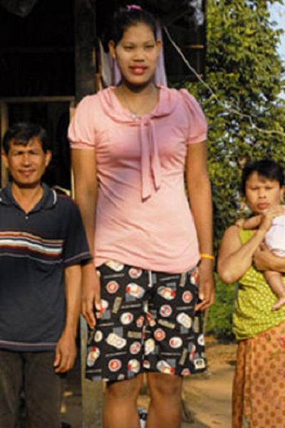 The World's Tallest Teen (8 pics)