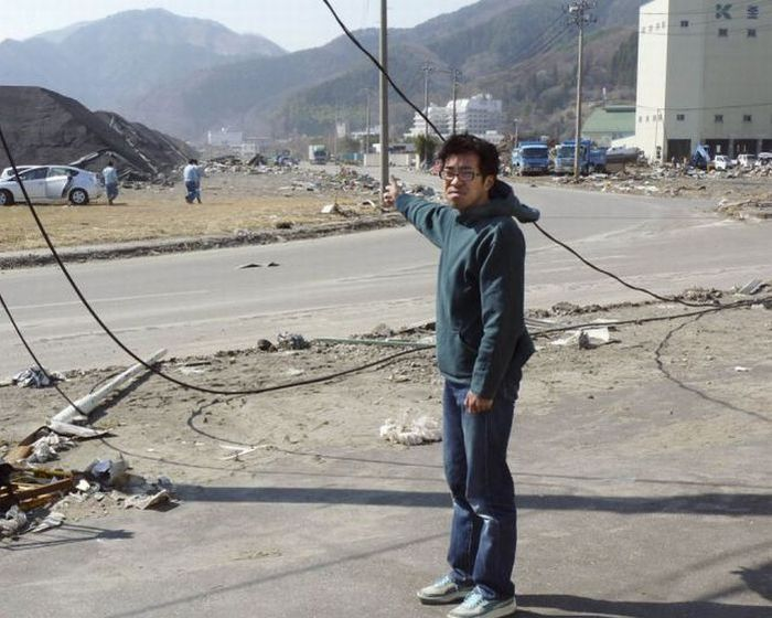 Reporter Toya Chiba Survived the Japanese Tsunami (5 pics)