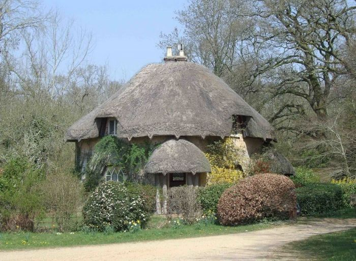 English Houses with Beautiful Roofs (55 pics)