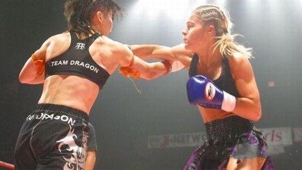 MMA Girls (69 pics)