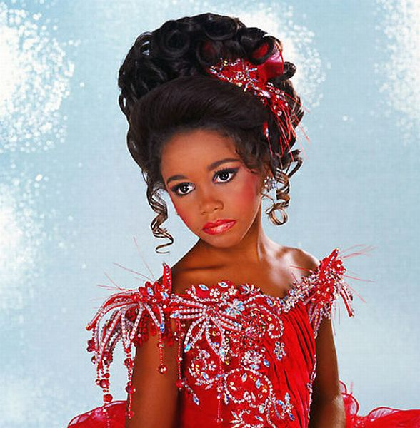 Child Beauty Pageant (16 pics)