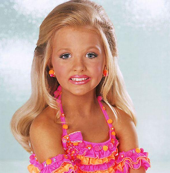 Child Beauty Pageant (16 pics)