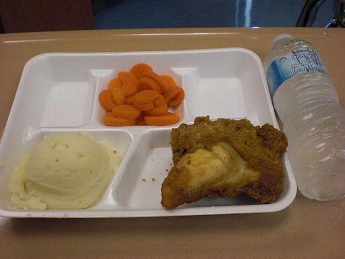 School Lunches in Different Countries (40 pics)