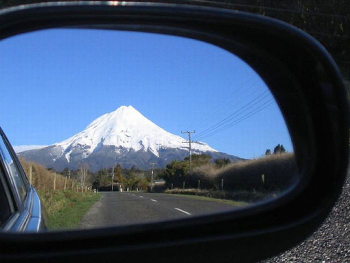 Views in the Rear-View Mirrors (69 pics)