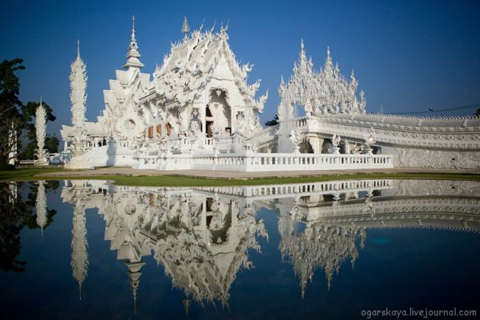 Wat Rong Khun – White Temple (30 pics)