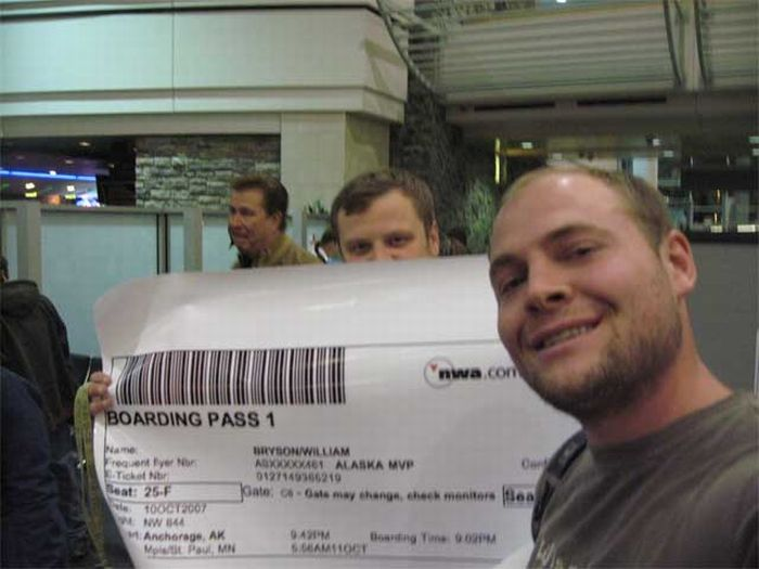 Giant Boarding Pass (6 pics)