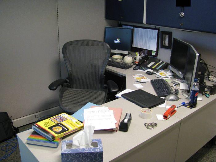 Pennied Desk (17 pics)