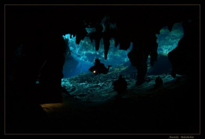Beautiful Underwater Caves (43 pics)