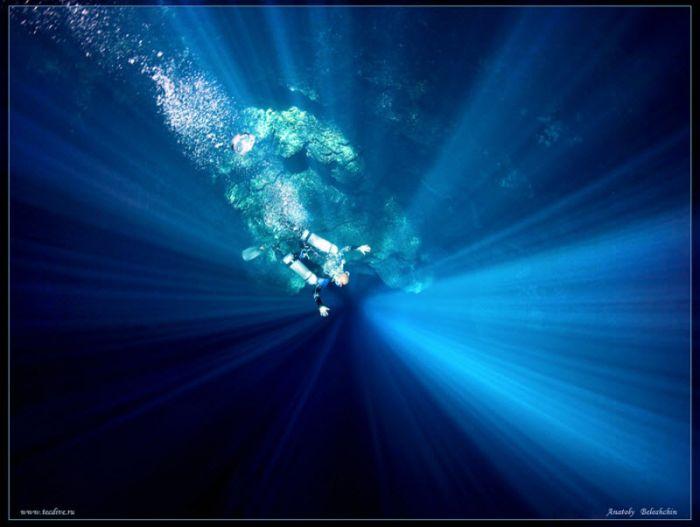 Beautiful Underwater Caves (43 pics)