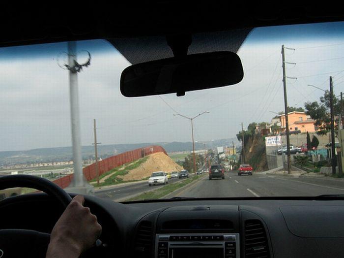 US-Mexico Border (25 pics)