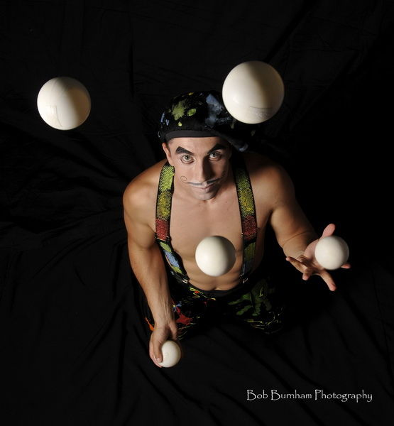 Learn How to Juggle (8 gifs)