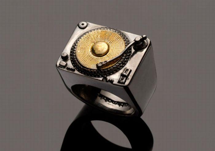 Amazingly Unique Jewelry (30 pics)