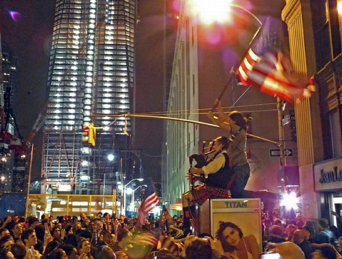 Celebrations of Bin Laden's Death at Ground Zero (40 pics)