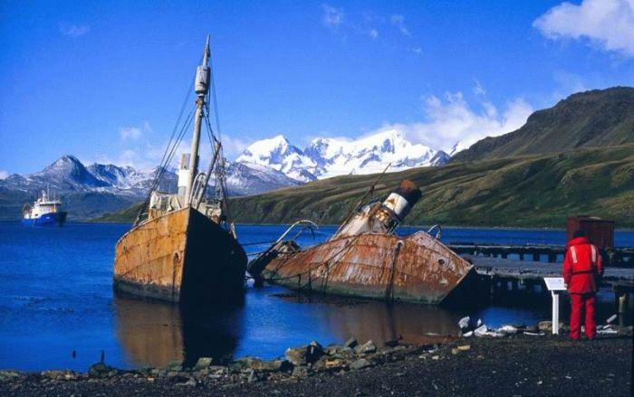 Barcos abandonados y antiguos