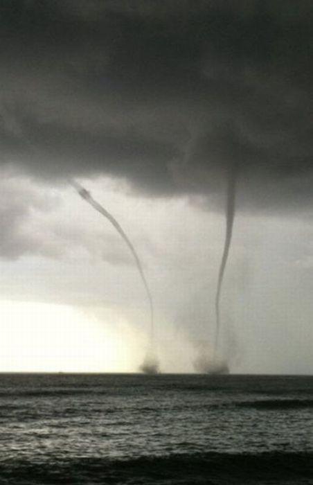 Hawaiian Tornadoes (13 pics)