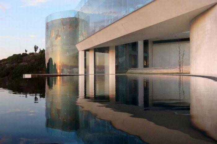 Amazing Iron Man House For Sale (18 pics)