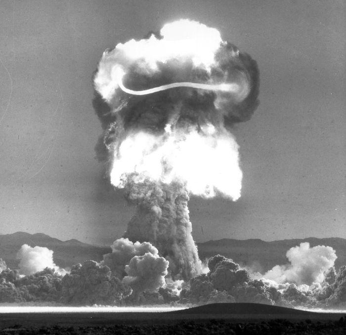 Nuclear Bomb Tests (36 pics)