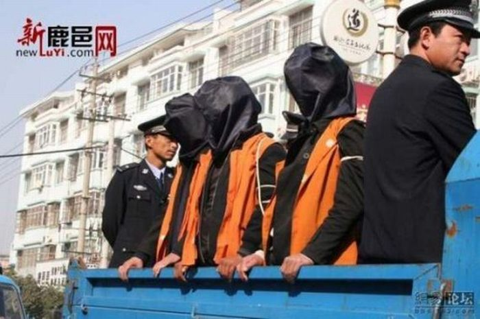 The Way They Fight Crime in China (19 pics)