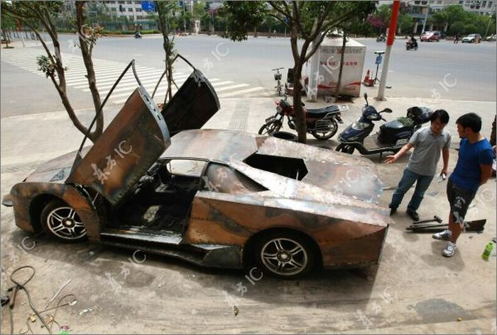 Self-made Lamborghini Reventon from China (8 pics)