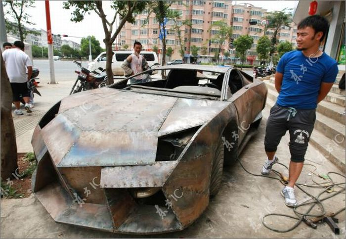Self-made Lamborghini Reventon from China (8 pics)