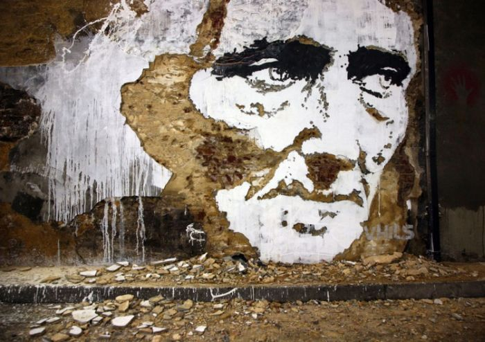 Chipped Wall Portraits by Vhils (17 pics)