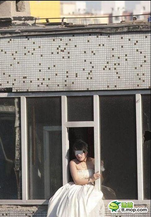 Suicidal Chinese Bride (13 pics)