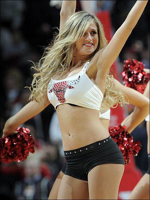 NBA Cheerleaders (98 pics)