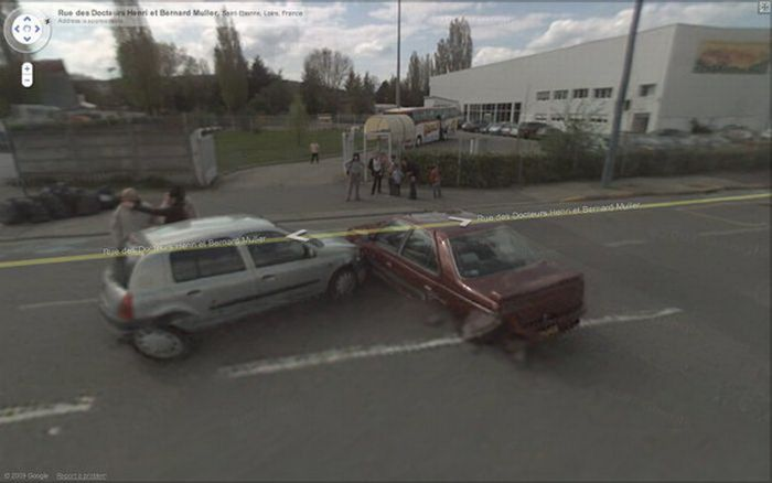 Google Street View Accidents (12 pics)
