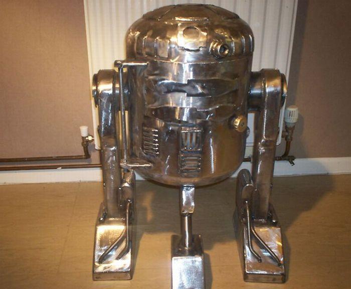 R2 D2 Post (20 pics)