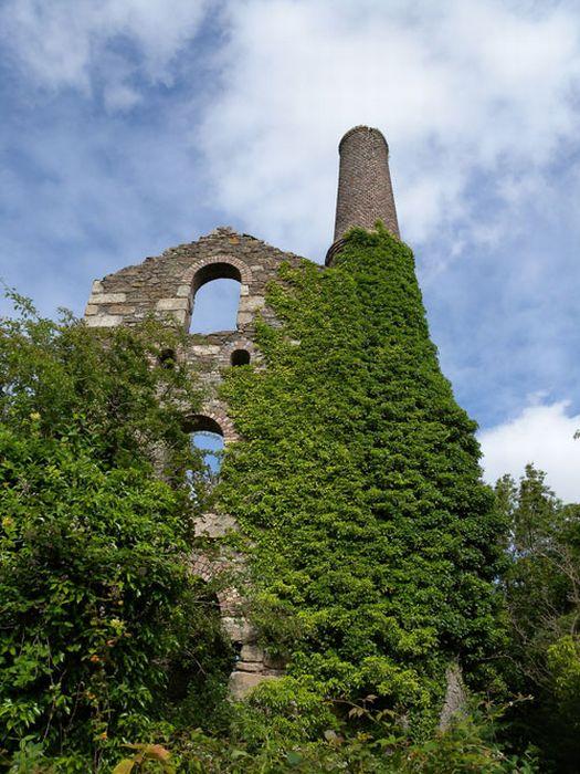 Photos of Ruins (42 pics)