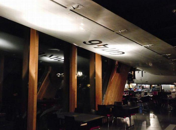 Restaurant Inside an Old Soviet Plane (23 pics)