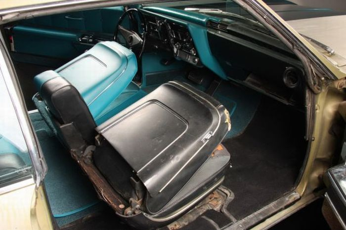 Retro Car Restoration (25 pics)